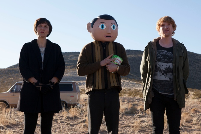 Maggie Gyllenhaal, Michael Fassbender, and Dohmnall Gleeson in FRANK.
