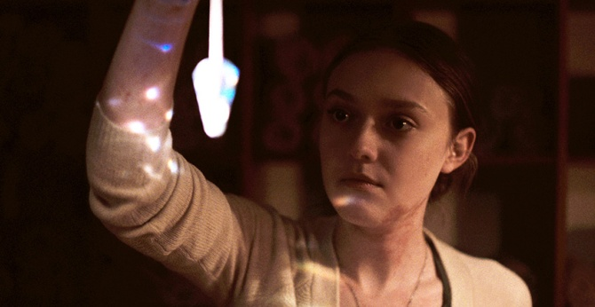 Dakota Fanning as Dena in NIGHT MOVES, directed by Kelly Reichardt. Photo credit: Tipping Point Productions. Courtesy of: Cinedigm.