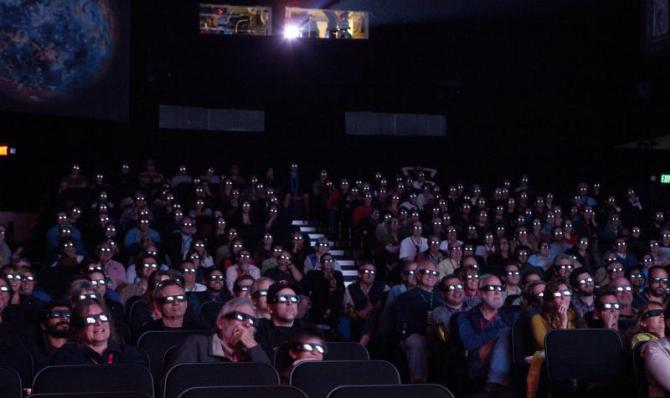 large_10-tff-rb-3d-audience-0609