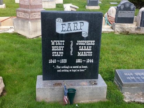 Earp(1)