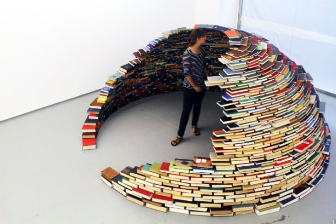 book-igloo
