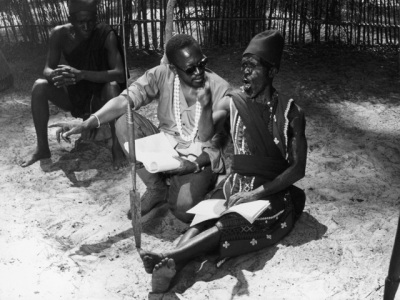 On the set of Emitai , 1971. (Photo courtesy of Sembène Estate.)