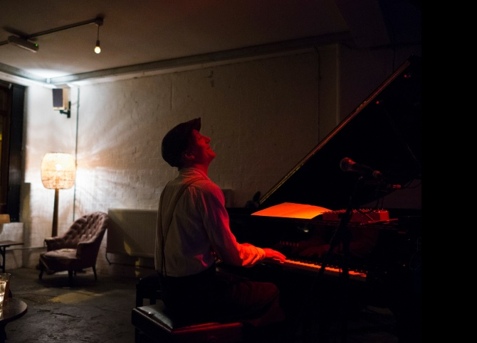Matti Bye at Café OTO in London. Credit: Dawid Laskowski