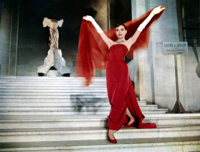 Still from Funny Face , in front of the Winged Victory of Samothrace.