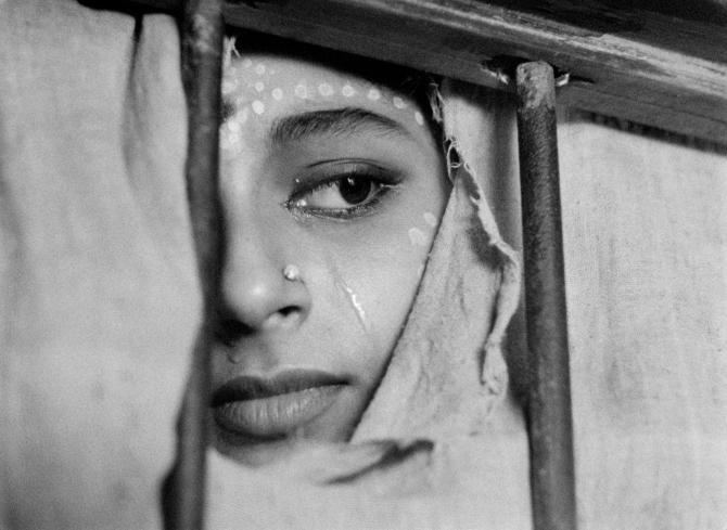 Sharmila Tagore as Apama in Apur Sansar . Credit: Courtesy of Janus Films.