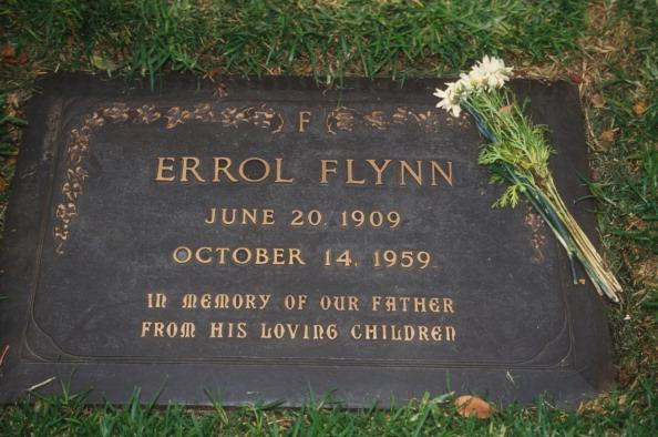 Grab, von Errol Flynn, verstorben am 14.10.1959, Hollywood, Totensonntag, , Grabstein, ; (Photo by Peter Bischoff/Getty Images)