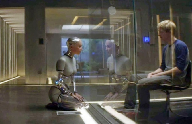Still of Caleb and Ava, Alex Garland's Ex Machina (2015)