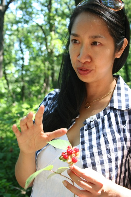 Ava Chin lecturing on wineberries. Credit: avachin.com.