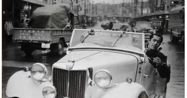 Mifune in favortie car.jpg