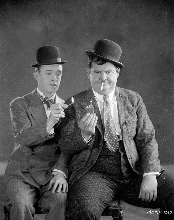 laurel-and-hardy-cigarettes-1928.jpg