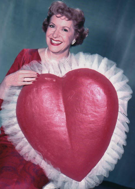 Color Vintage Photos of American Actress Celebrating Valentine (11).jpg