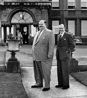 Laurel+&+Hardy+Outside+the+Royal+Marine+1953.jpg