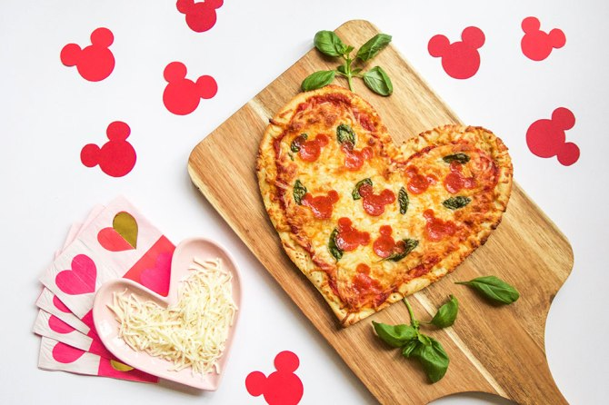 Disney-Family_Mickey-Valentine-Pizza.jpg