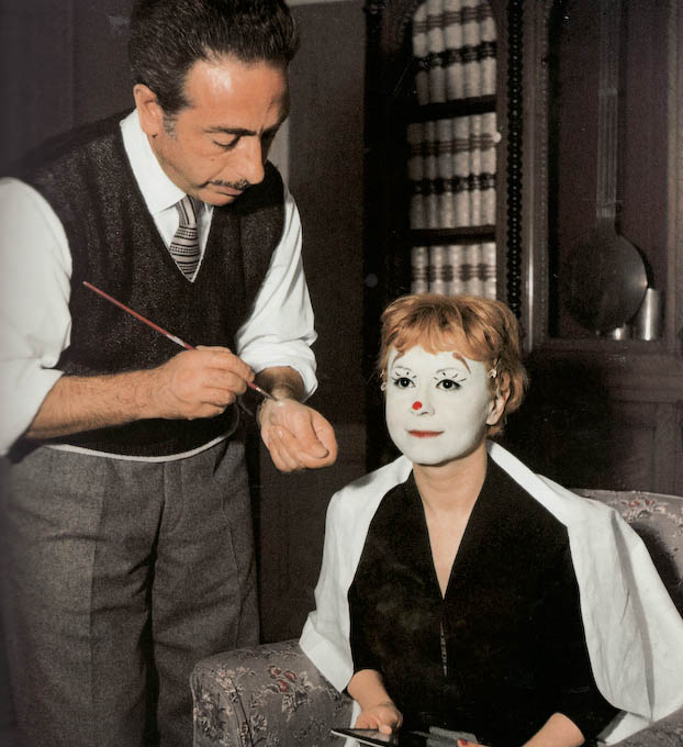 giuletta-masina-on-the-set-of-la-strada-1954.png